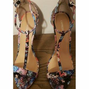 Strappy high heel sandal